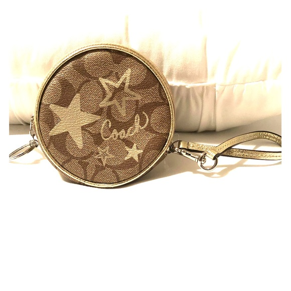 Coach Handbags - Cute Coach Coin Purse